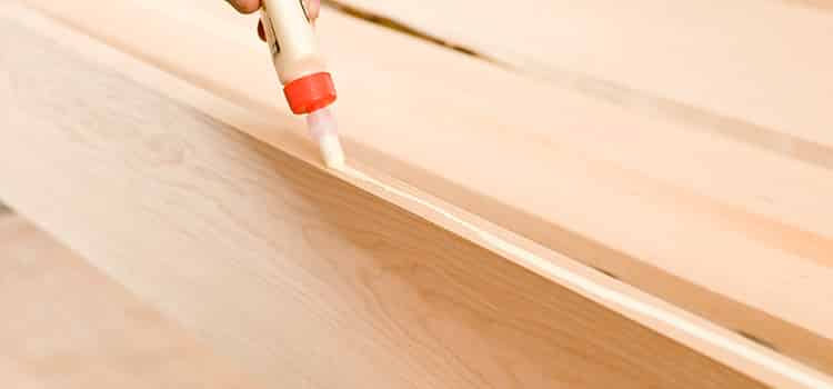 the right way to apply wood glue