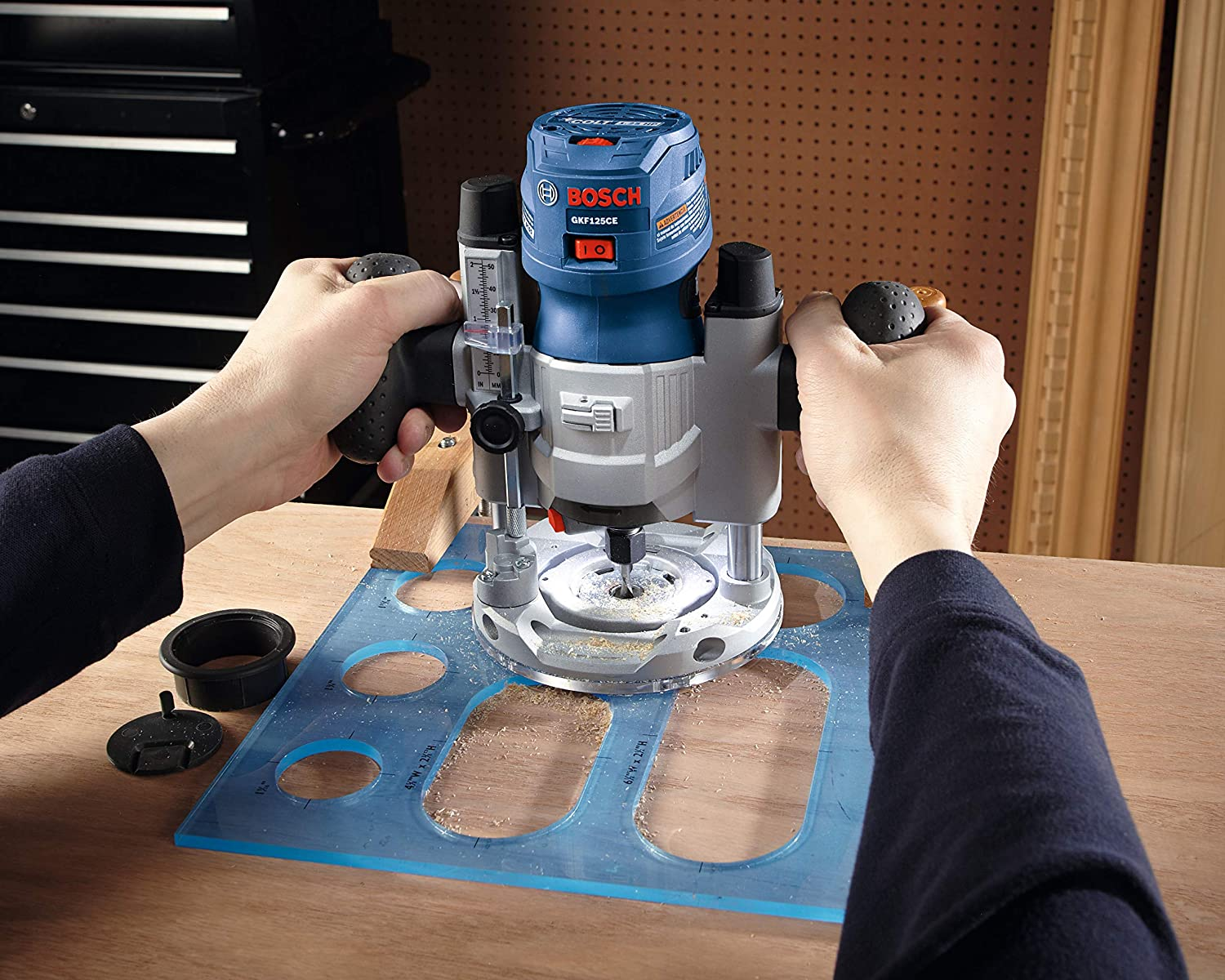 carving wood with bosch wood router