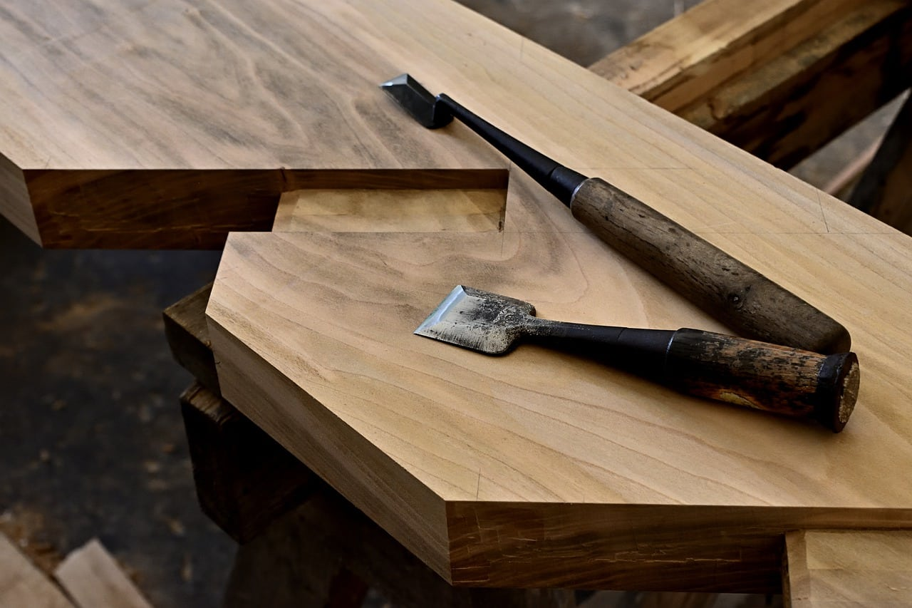 how to use router in woodworking featured image